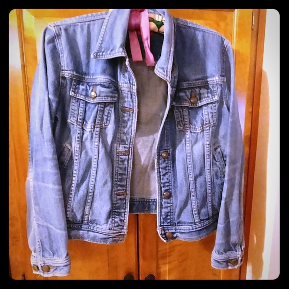 0359918a843472 Chaps Jackets & Blazers - Vintage 1980s comfortably distressed denim jacket